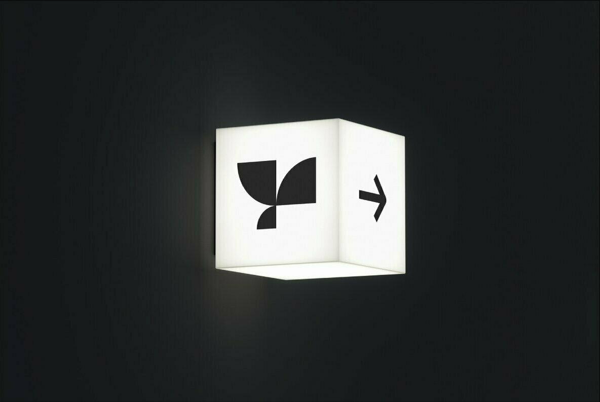 Lightbox 05 Standard Mockup