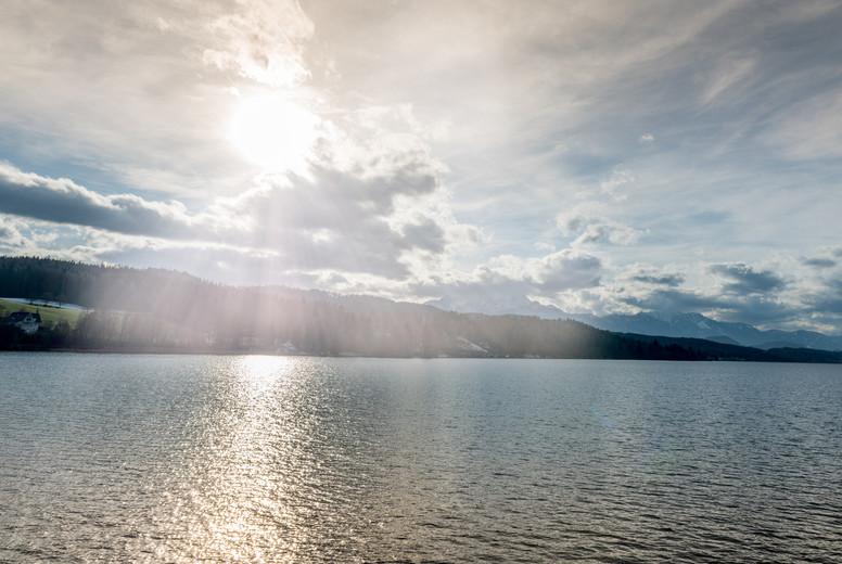Sunny morning at the lake