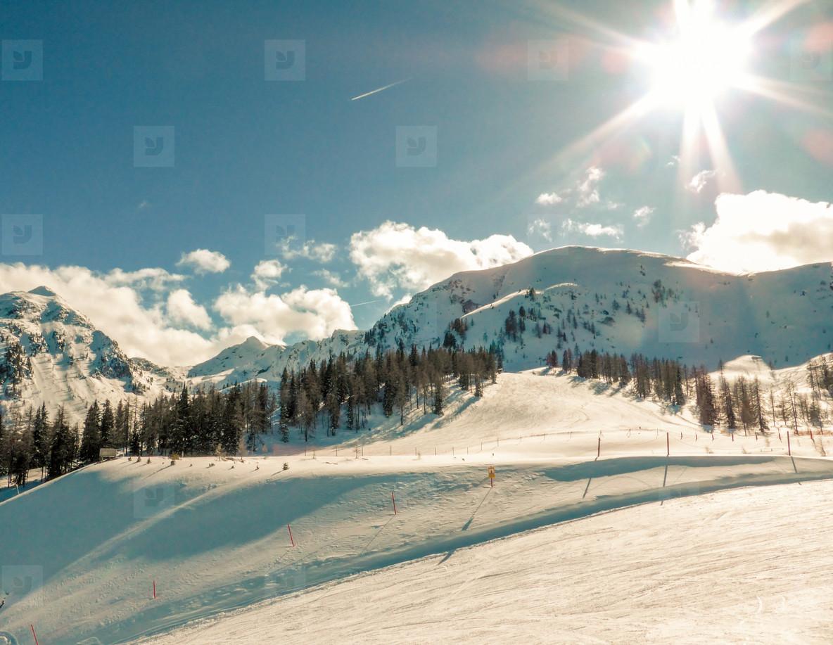 Sunny ski day