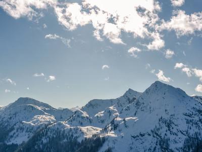 Sun   skiing