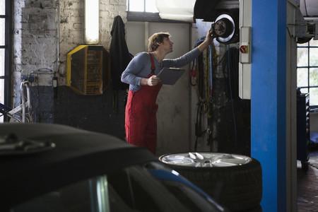 Auto Repair Shop 07