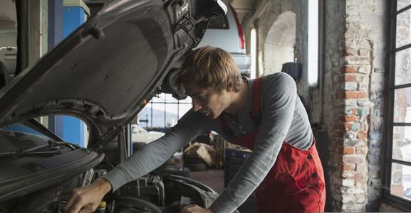 Auto Repair Shop 16