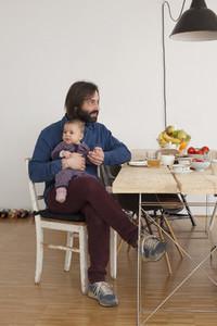 Modern Family Interior  08