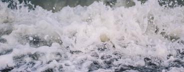 Splashing Waves  01