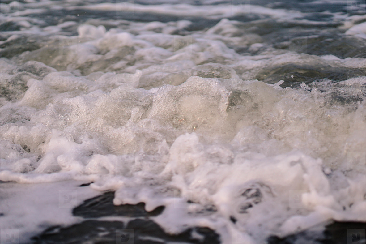 Splashing Waves  02