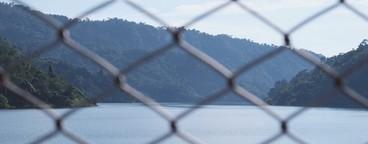 Metal net with the ocean