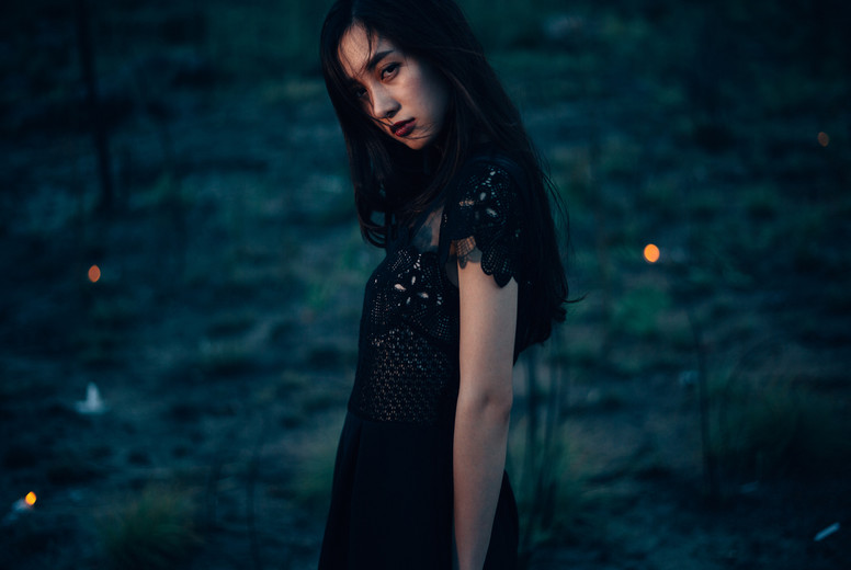 Dramatic portrait of a girl  01