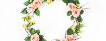 Wreath with pink roses