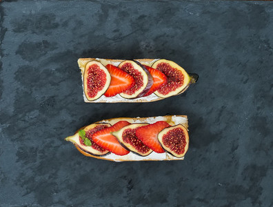 Fig and strawberry goat cheese sandwiches with honey