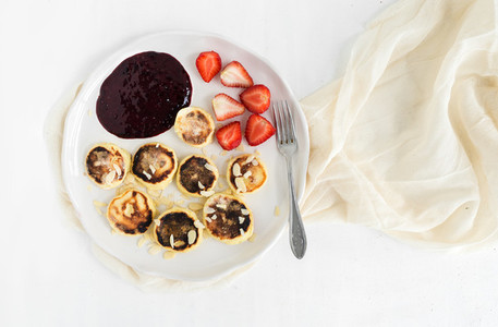 Cottage cheese pancakes with almonf  strawberry and raw black cu