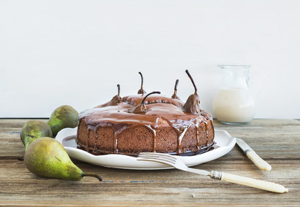 Pear  ginger and honey cake with creamy caramel topping  fresh p