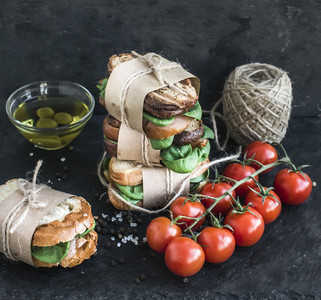 Cured chicken and spinach whole grain sandwich tower with spices
