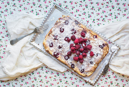 Raspberry cottage cheese cake with fresh raspberries  almond pet