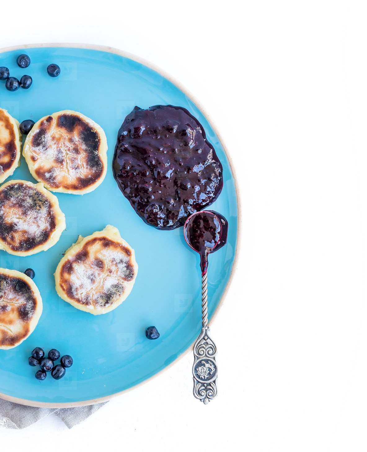 Cottage cheese pancakes with fresh blackberries and blac curra