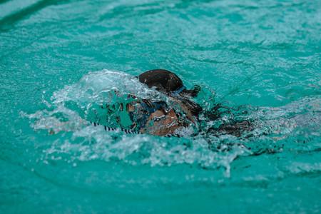 Swimming Motions 04