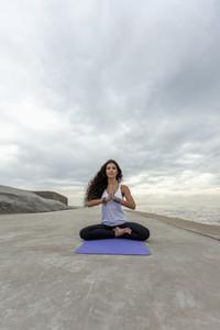 Yoga Promenade 01