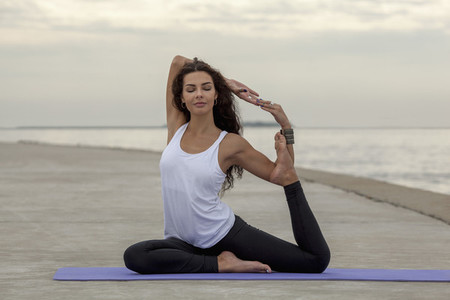 Yoga Promenade 04
