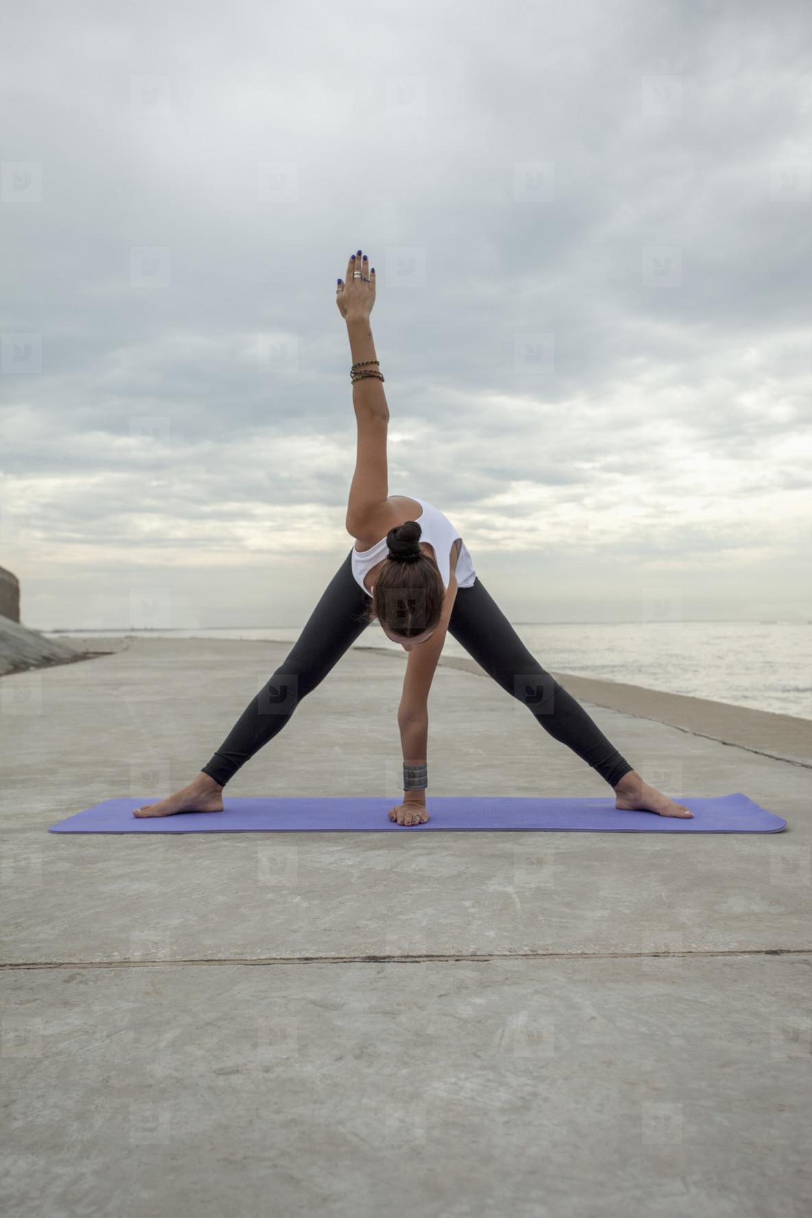 Yoga Promenade  10