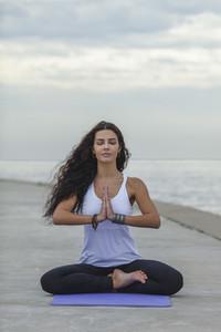 Yoga Promenade  14