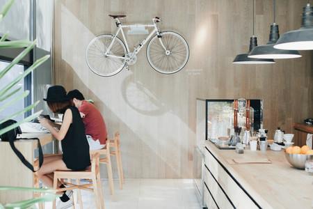 At Cafe 01