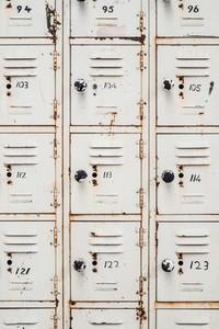 Retro locker