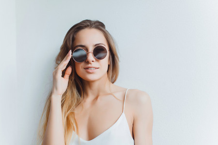Woman portrait on sunglasses