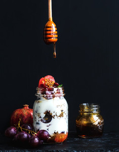 Yogurt and oat granola with grapes