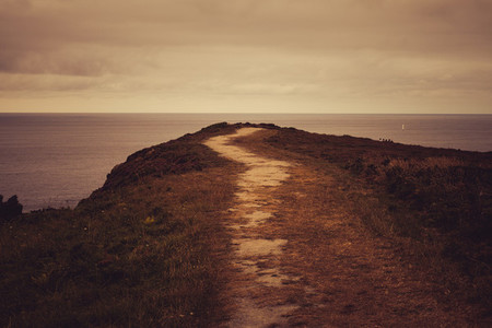 path to the ocean
