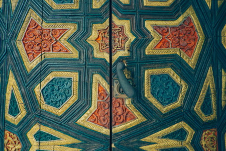 arabesque door