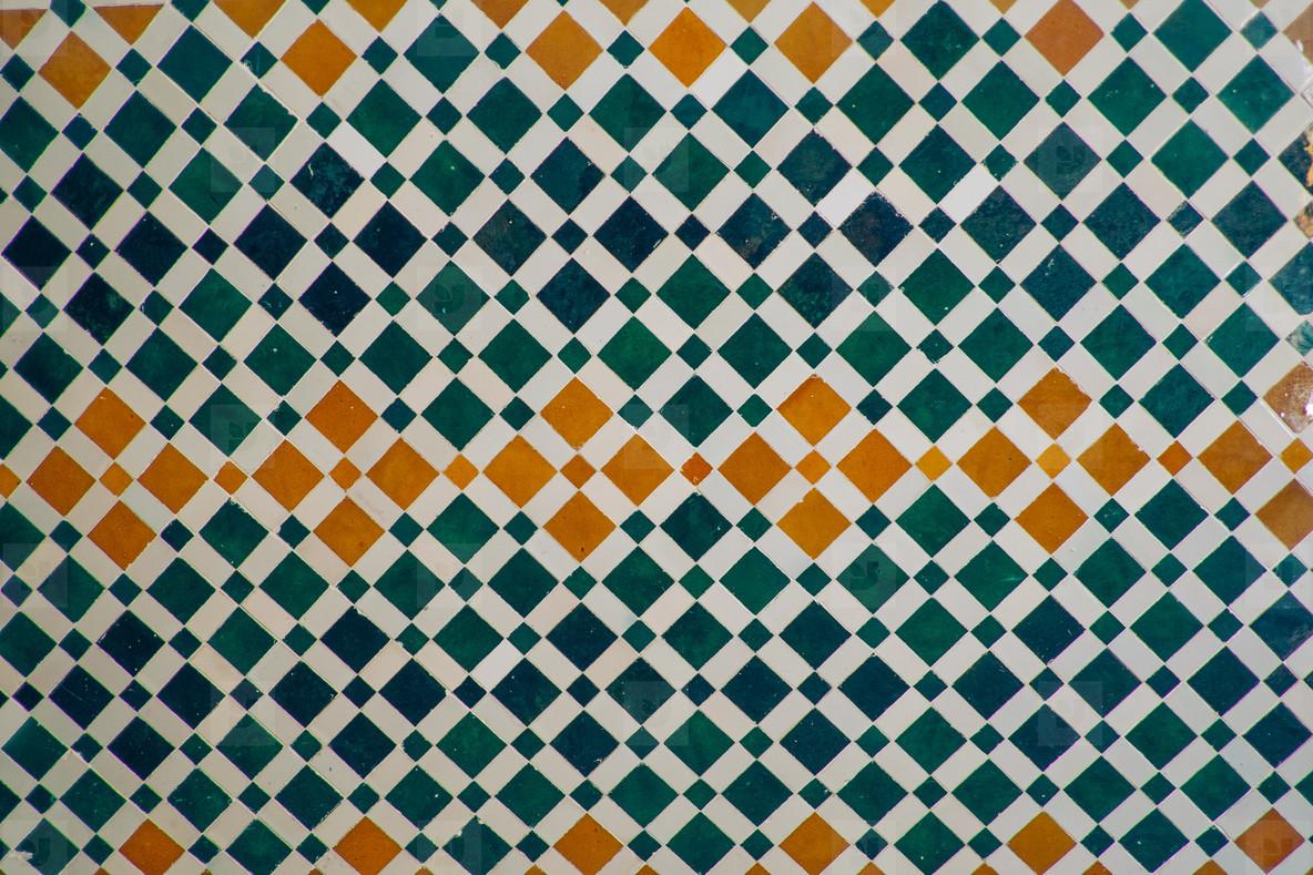 color arabesque wall