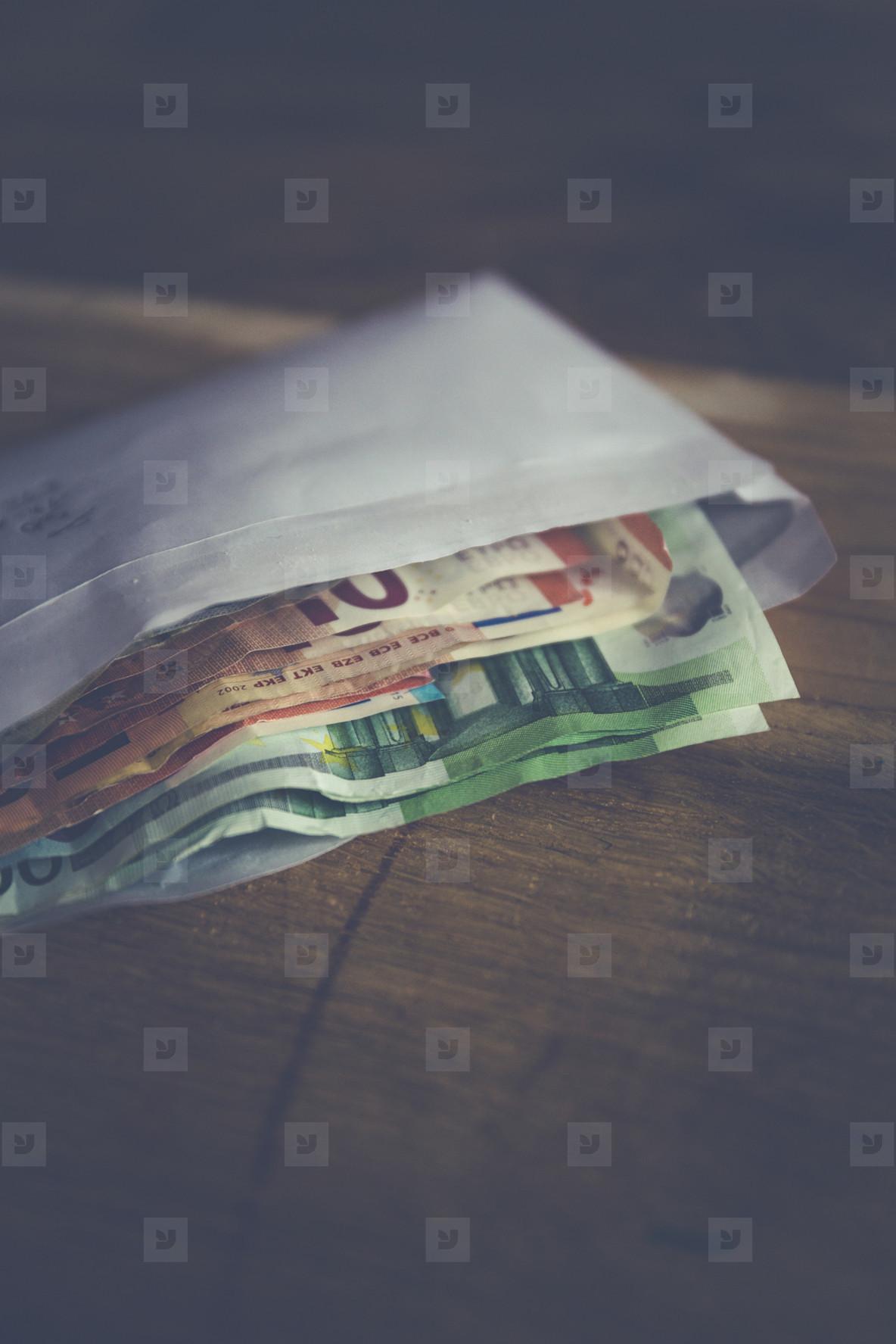 corrupt money kickback note