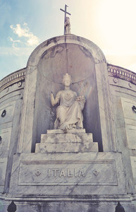 Statue in St  Louis Cemetery