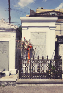 White tomb with Flowers NOLA