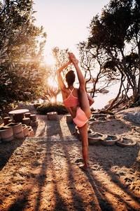Female Athlete doing split