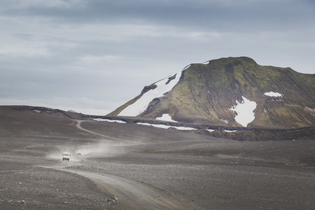 Gravel road in Iceland 06