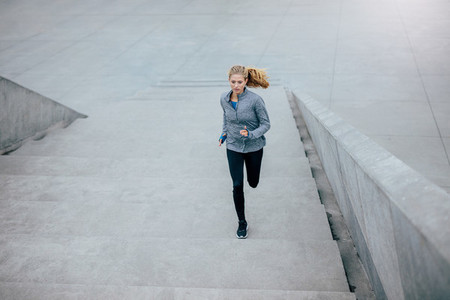 Healthy woman on morning run