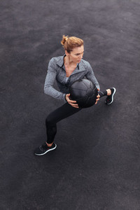 Woman exercising to get better core strength and stability