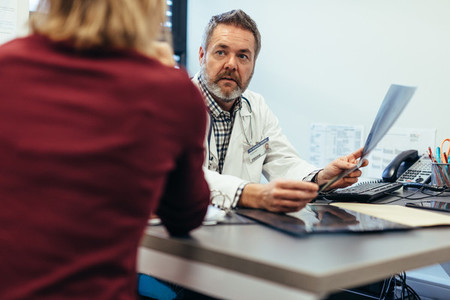 Doctor involving patient in decision making