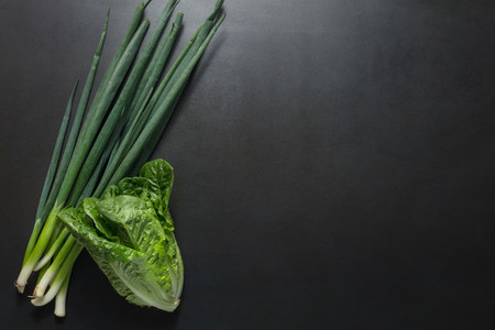 Green spring onions with napa cabbage