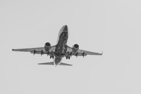 Landing 02