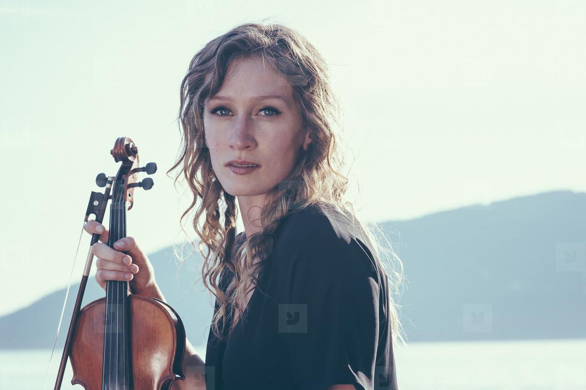 Seaside Violinist  05