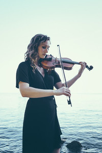 Seaside Violinist 07