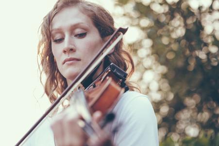 Seaside Violinist 09