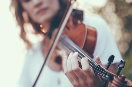 Seaside Violinist 12