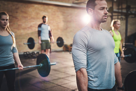 Building biceps through weightlifting