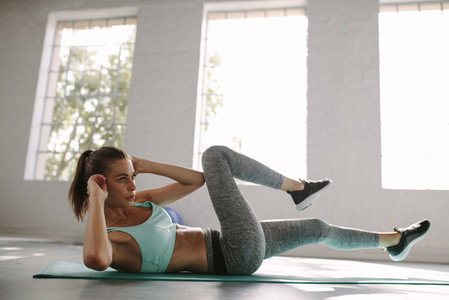 Sporty woman exercise for burning fat