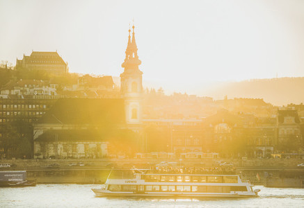 BUDAPEST  HUNGARY   APRIL 01  2017   Sunset view over Danube river