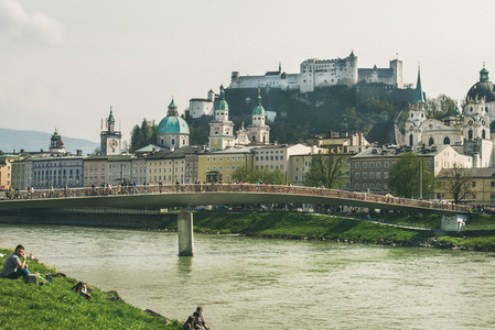SALZBURG  AUSTRIA   APRIL 08  2017 View over Makartsteg bridge