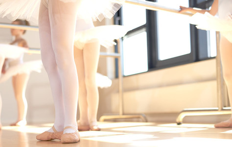 Young ballerinas wearing pointe