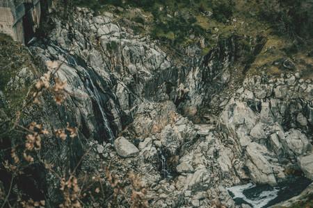 Waterfall in the belesar reservoirtr
